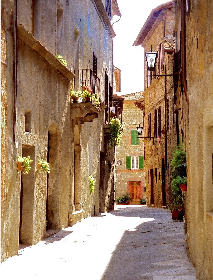 Pienza italy tuscany what to do visit tourism cheese for Toscana house