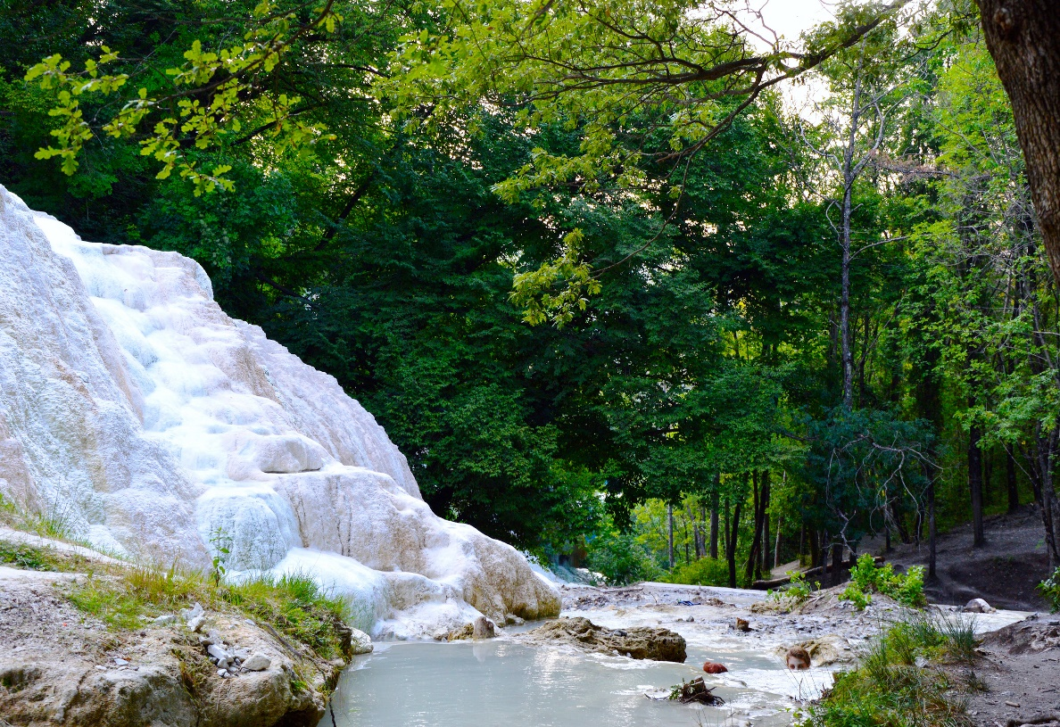 https://www.toscanainside.com/files/images/discover/toscana/terme-e-relax/Bagni-San-Filippo/2.boscocc_paolo.jpg