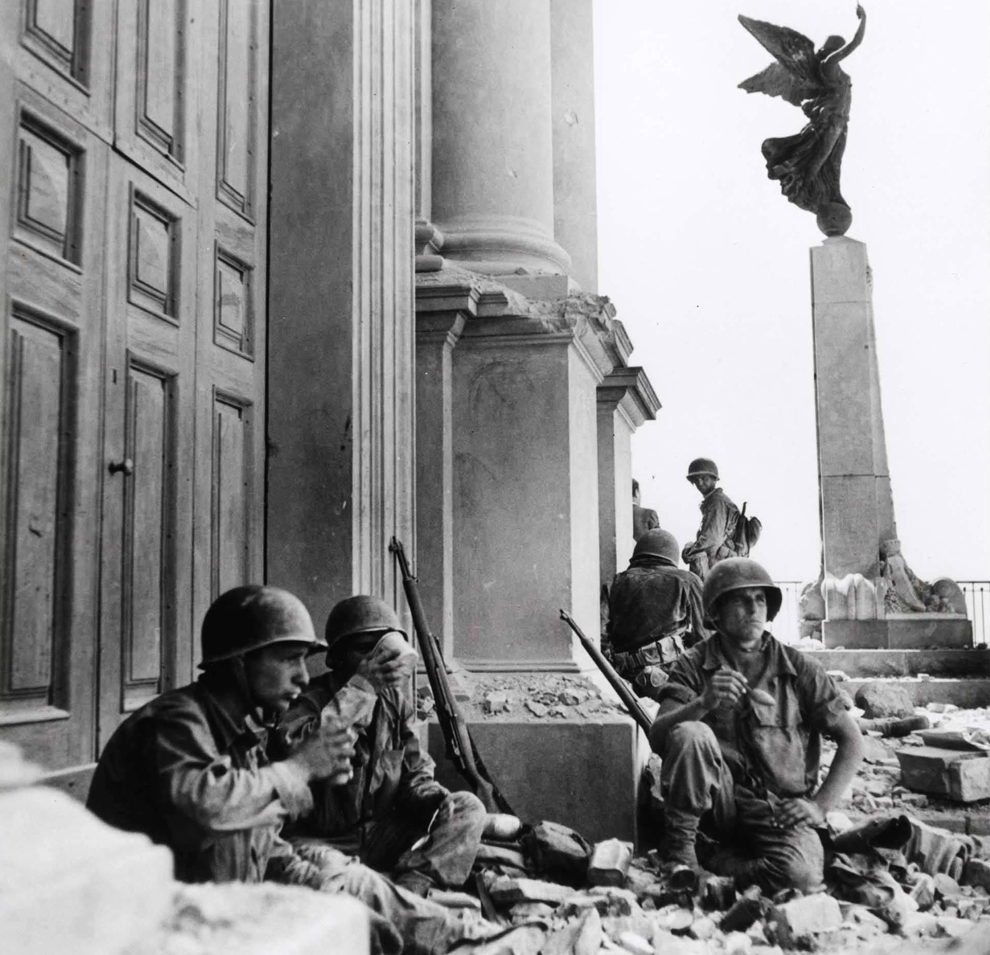 italy world war World war ii: before the war and it chafed against the punitive measures of the versailles treaty that had ended world war i china and the empire italy, and.
